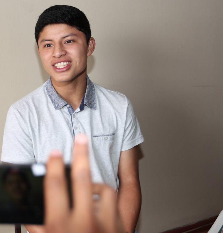 Siempre sonriente, el positivismo es parte del ADN del volante mixto guatemalteco. (Foto Prensa Libre: Jorge Ovalle)