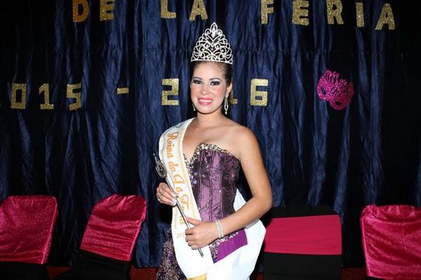 Lisby Adriana Estrada Cifuentes fue electa Reina de la Feria de Santa  Cruz Muluá, Retalhuleu. (Foto Prensa Libre: Rolando Miranda)