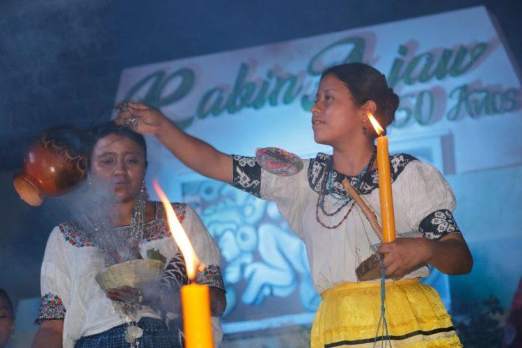 Cada una de las candidatas se hacen presente llenas de deseos de representar bien a su municipio, dar a conocer sus costumbres y brindar el signigicado de sus trajes