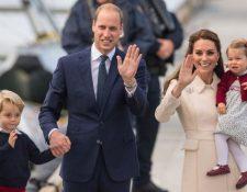 El duque y la duquesa de Cambridge y sus dos primero hijos, George y Charlotte. PA