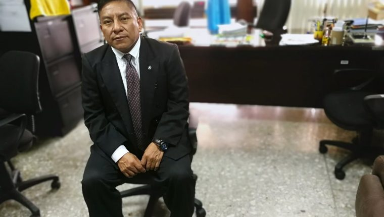 El juez Pablo Xitumul de Paz preside el Tribunal de Mayor Riesgo C. (Foto Prensa Libre: Hemeroteca PL)