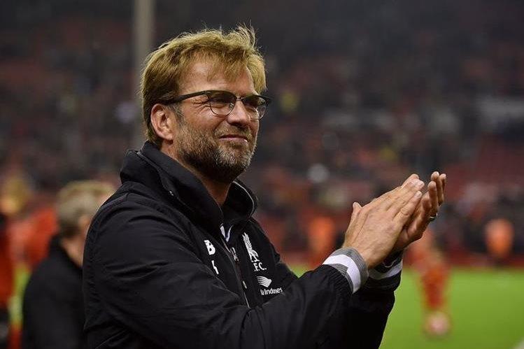 Jürgen Klopp ha comenzado a devolverle al Liverpool el brillo de épocas pasadas. (Foto Prensa Libre: AFP)