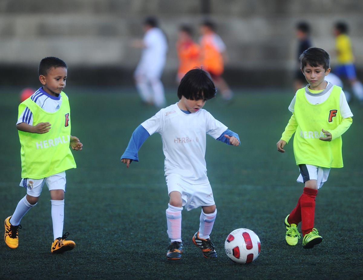 Escuelas de futbol  ¿Negocio o formación  – Prensa Libre 0cf49a5791db4