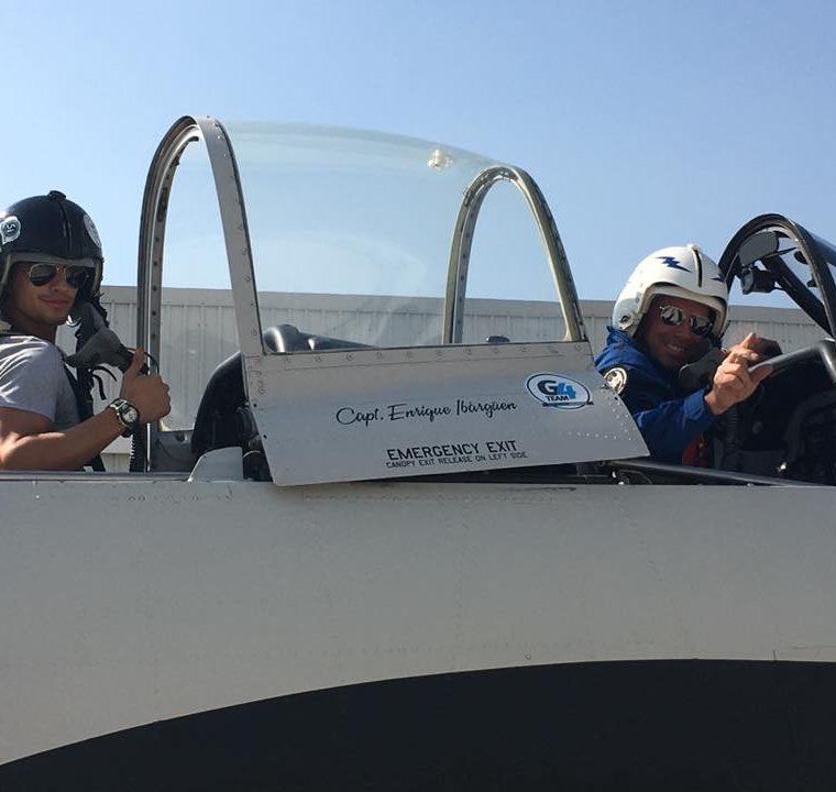 El capitán Rodrigo Ibargüen es el piloto del T-28 Trojan es el que se accidentó esta tarde al final de la pista del Aeropuerto La Aurora. (Foto Prensa Libre: G4 Team)
