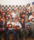 Los pilotos fueron galardonados el miércoles anterior tras concluir una temporada de éxito en el Campeonato Nacional de Automovilismo. (Foto Prensa Libre: Norvin Mendoza)