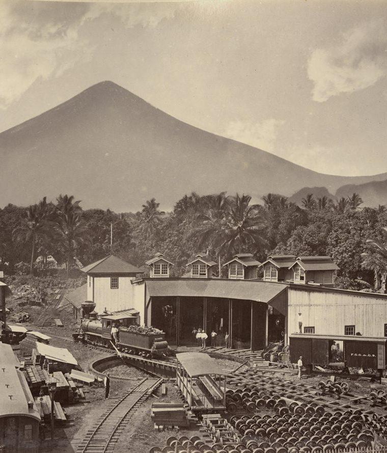 Estación del Ferrocarril en Escuintla (aproximadamente de 1886). A?lbum Arcain. (Foto: Fototeca Guatemala CIRMA)