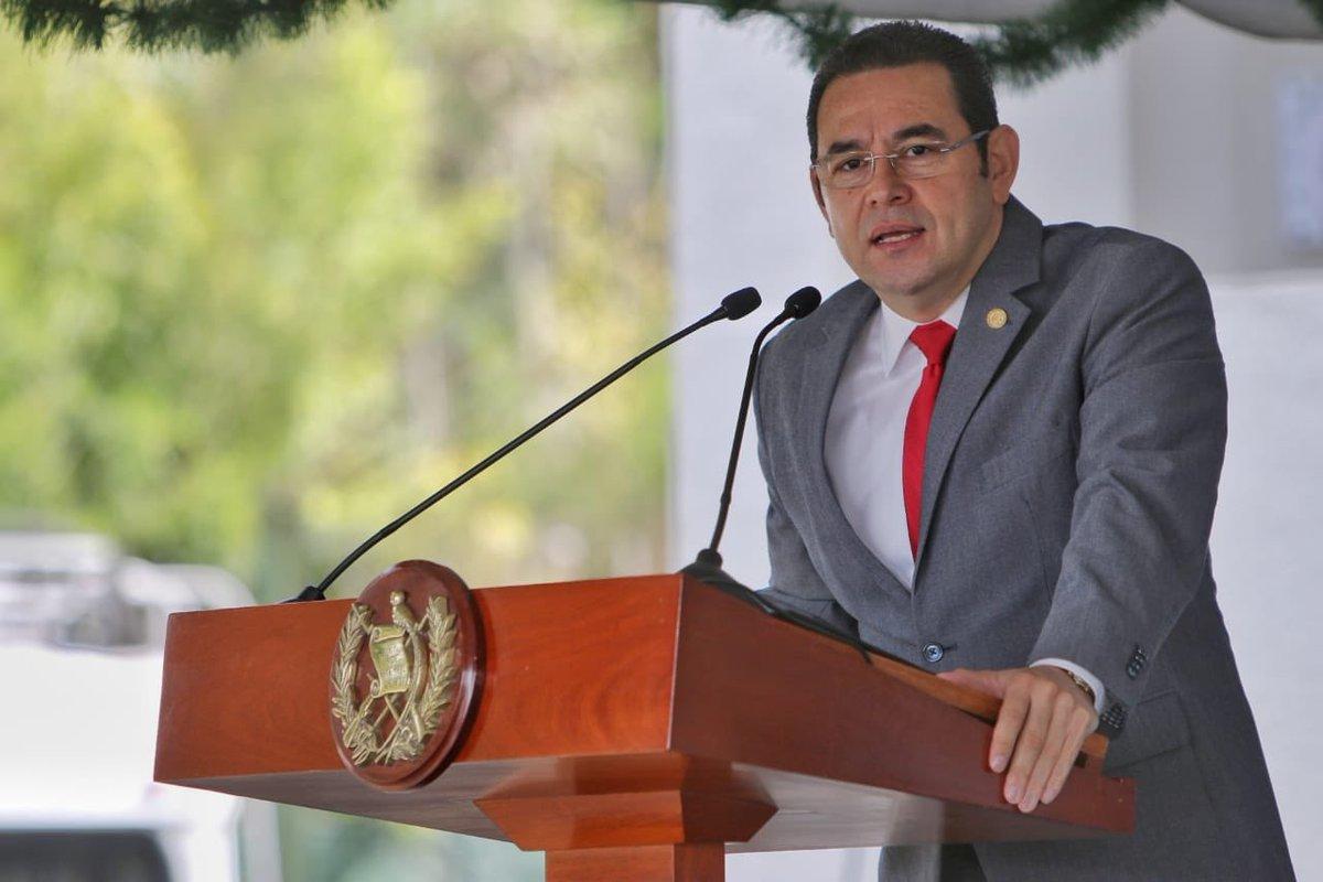 El presidente Jimmy Morales asistió este viernes a la entrega de la Medalla Presidencial del Medio Ambiente. (Foto Prensa Libre: Marn)