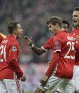 El delantero alemán, Thomas Müller festeja el quinto gol del Bayern Múnich. (Foto Prensa Libre: AFP)