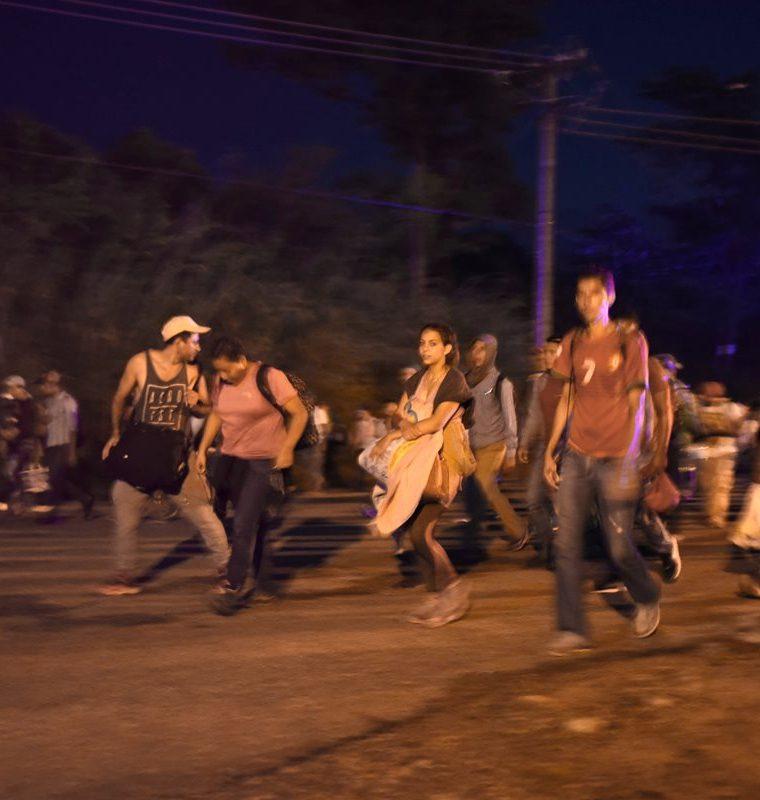 Se calcula que siete mil migrantes hondureños han ingresado recientemente a México. (Foto Prensa Libre: AFP)