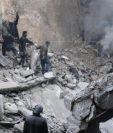 Bombardeo en Alepo contra voluntarios. (Foto Prensa Libre: EFE)