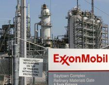 La petrolera había anunciado en septiembre un acuerdo para vender la refinería a PBF. (Foto Prensa Libre: static01.nyt.com)