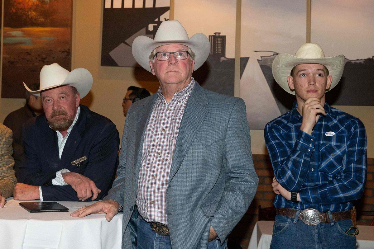 Republicanos de Texas esperan los resultados en Clovert, Austin, Texas.