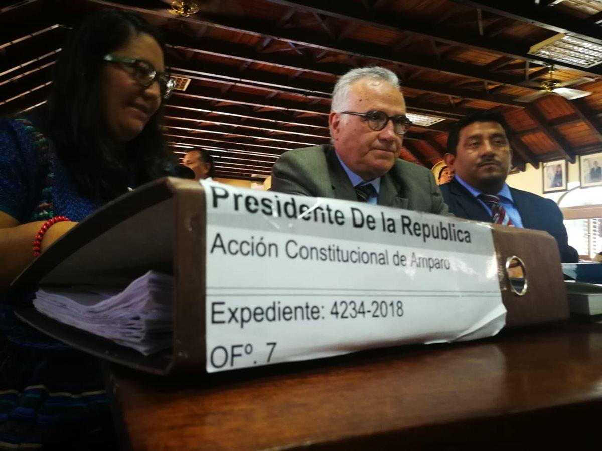 El abogado Ramón Cadena presentó un amparo en contra del presidente Jimmy Morales por no renovar el mandato de la Cicig y no permitir el ingreso al país del comisionado Iván Velásquez. (Foto Prensa Libre: Érick Ávila)