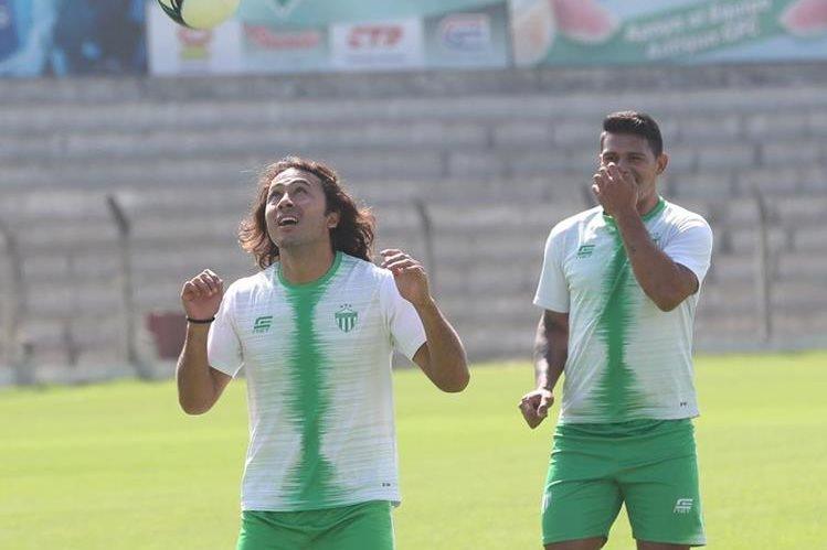 Antigua GFC comenzará una nueva etapa después de que se conociera sobre la salida del entrenador Mauricio Tapia. (Foto Prensa Libre: Hemeroteca PL)