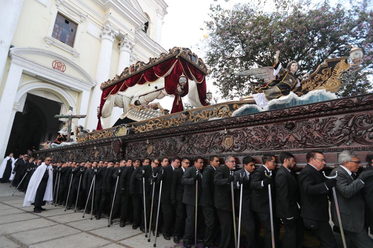 Cucuruchos que han acompañado procesiones por más de dos décadas