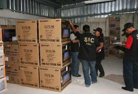Combatir el   contrabando será una de las  nuevas facultades de la SAT, incluyendo que la doten de más agentes para operativos.