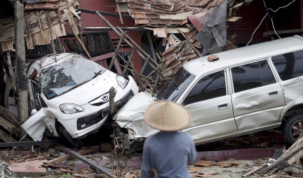 El tsunami golpeó playas turísticas y zonas costeras en torno al estrecho de la Sonda, en Indonesia.