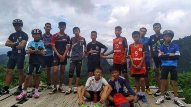 Los niños y adolescentes del club solían realizar excursiones en equipo.