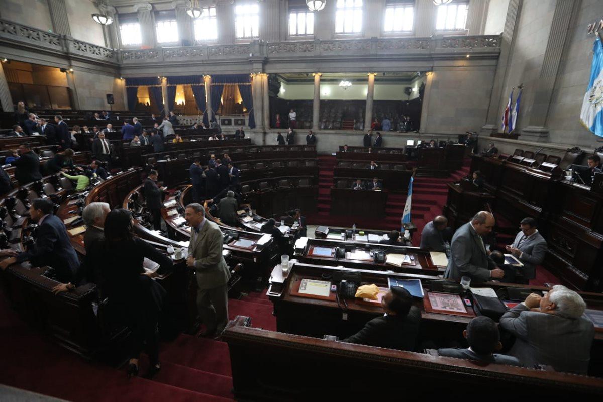 La negociación entre los diputados para revivir el transfuguismo se ha intensificado en los últimos días. (Foto Prensa Libre: Hemeroteca PL)