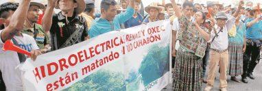 Pobladores protestan por hidroeléctrica. (Foto: Hemeroteca PL)