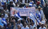 La multitudinaria manifestación fue convocada por los empresarios de Nicaragua.