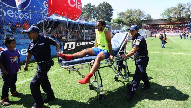 El uruguayo Gastón Puerari es uno de los jugadores que está al margen de Municipal mientras se recupera de una lesión. (Foto Prensa Libre: Hemeroteca)
