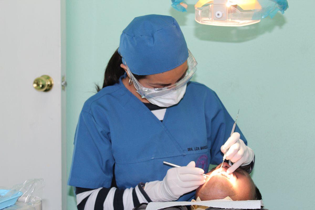 ¿Cuánto cuesta una primera cita con el odontólogo?