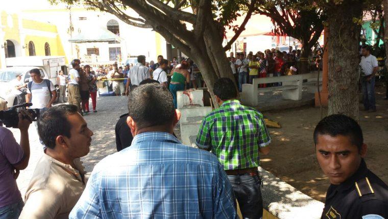 El ataque contra los periodistas ocurrió en el parque central de Mazatenango, frente a la Gobernación. (Foto Prensa Libre: Hemeroteca PL)