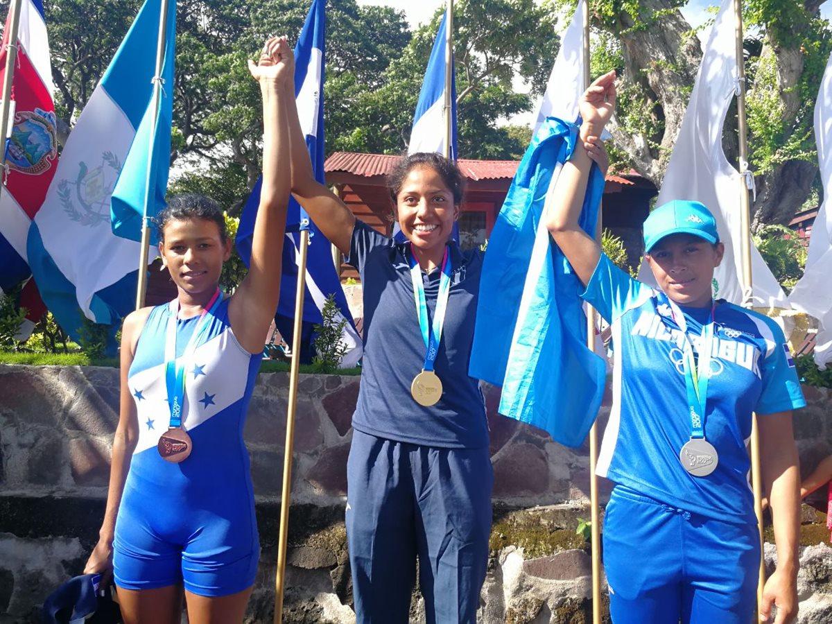 Yulisa López da otra medalla de oro al remo guatemalteco en Managua