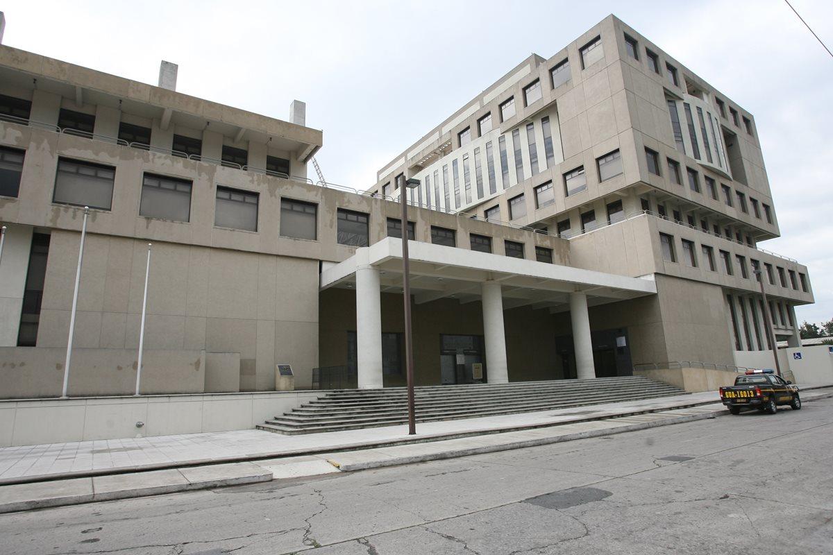 Actual edificio del MP que se ubica en el barrio Gerona, zona 1. (Foto Prensa Libre: Hemeroteca PL)