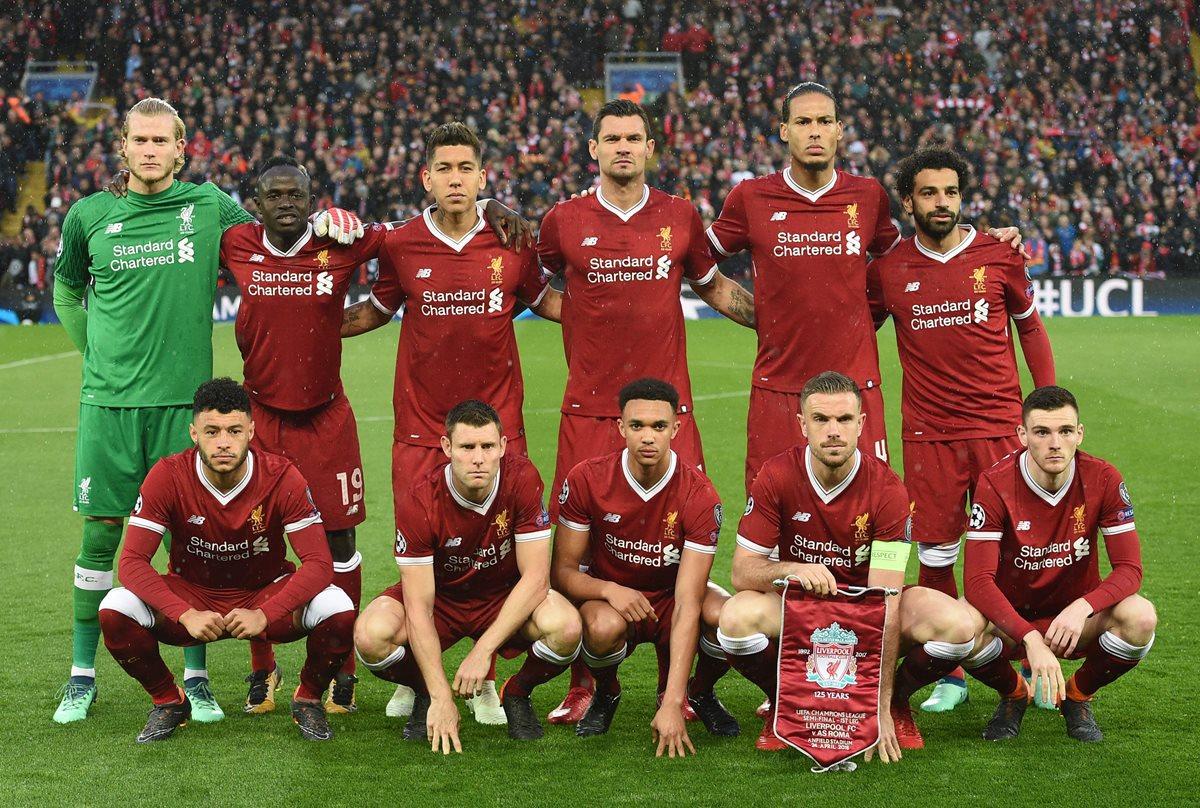 El equipo de Liverpool que consiguió el triunfo frente al AS Roma. (Foto Prensa Libre: AFP)