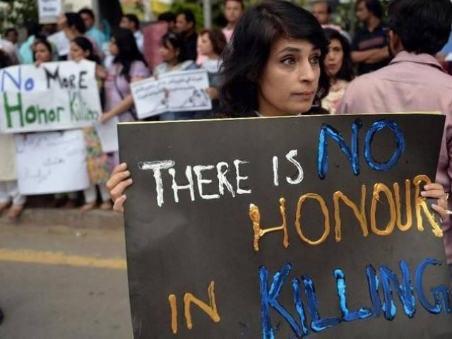 Manifestantes protestan contra la violencia de las mujeres en Islamabad.(AFP).