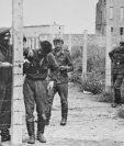Las autoridades de Alemania del Este comenzaron a erigir de forma abrupta el muro de Berlín en 1961. GETTY IMAGES