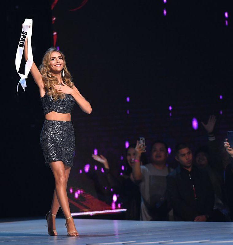 Ángela Ponce fue aplaudida por el público en Miss Universo 2018 (Foto Prensa Libre: AFP).