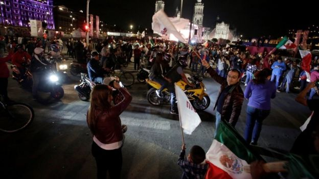 """Es un honor estar con Obrador"", coreaban sus seguidores. (Reuters)"