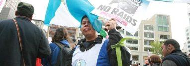 Migrantes guatemaltecos participan en una protesta en EE. UU. Unos 3 millones de connacionales viven en ese país y ninguno recibe apoyo de Conamigua. (Foto Prensa Libre: Hemeroteca PL)