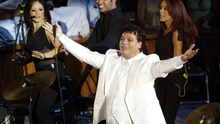 Exrepresante de Juan Gabriel dice que él sigue vivo y que ofrecerá concierto en enero.