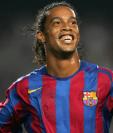 Ronaldinho le recordó a sus seguidores de Instagram su primer gol con el FC Barcelona. (Foto Prensa Libre: Hemeroteca)