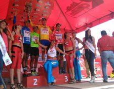 Premiación de la tercera etapa de la Vuelta a Guatemala. (Foto Prensa Libre: Óscar Felipe Q.)