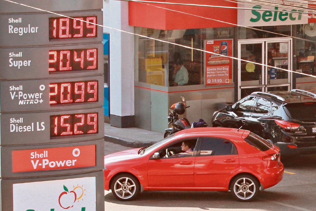 Precios internacionales del crudo se reflejan en mercado local