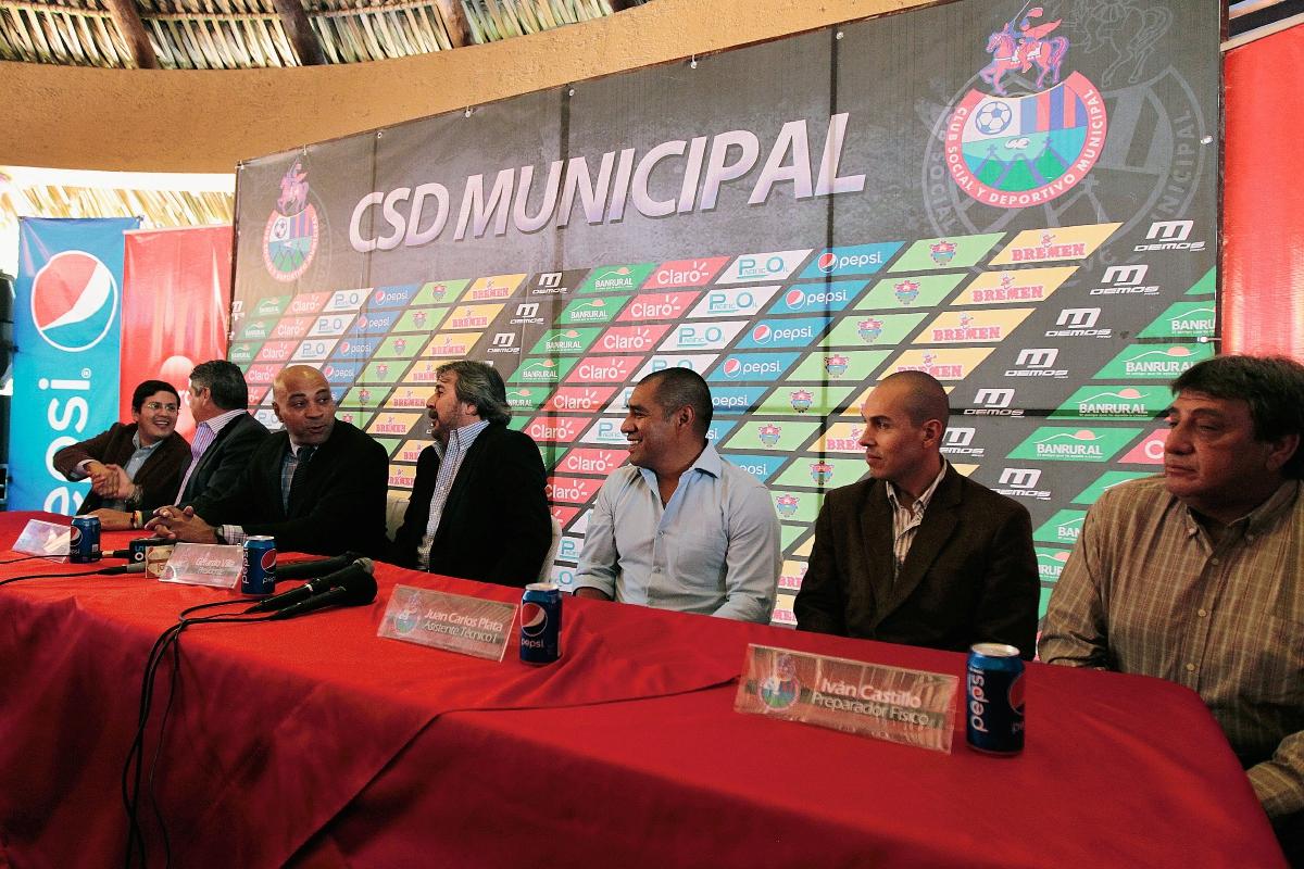 Wright es presentado como nuevo técnico de Municipal. (Foto Prensa Libre: Marcela Morales)