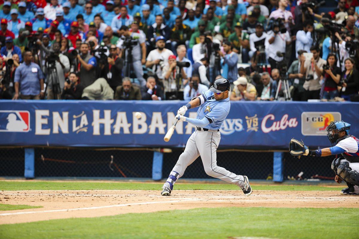 La MLB tiene restricciones sobre el tabaquismo. (Foto Prensa Libre: AP)