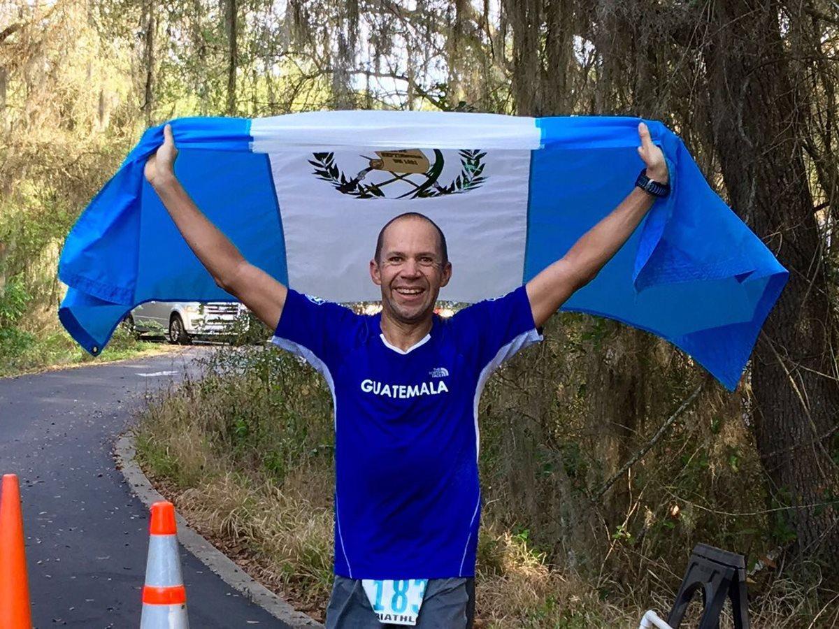 Juan Carlos Sagastume ganó el doble ironman de Orlando, Florida (Foto Prensa Libre: Cortesía)