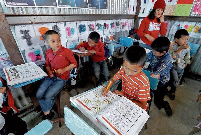 Según el Índice de capital humano, en Guatemala, un niño puede esperar completar 9.7 años de escuela antes de cumplir 18 años, lo que lo pondrá en desventaja cuando trabaje. (Foto Prensa Libre: Hemeroteca)
