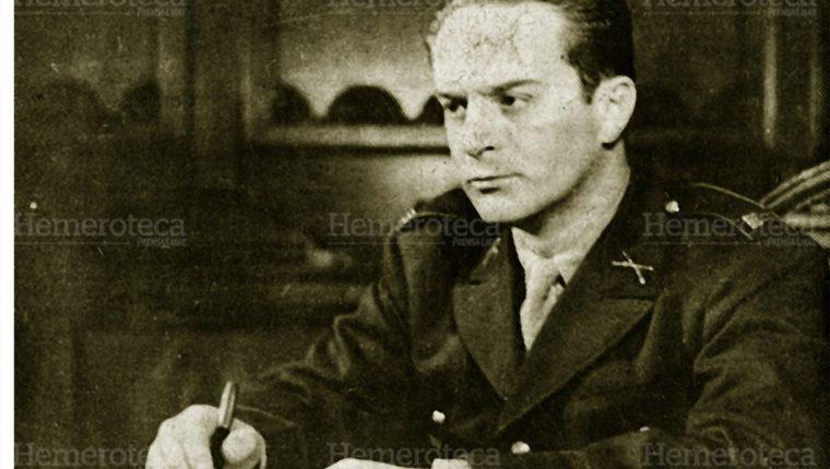 Jacobo Árbenz, en su mandato presidencial, en 1951. (Foto: Hemeroteca PL)