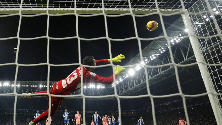 Lionel Messi anotó dos golazos de tiro libre. (Foto Prensa Libre: AFP)