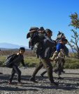 Miles de refugiados sirios continúan su éxodo pese al rechazo. (Foto Prensa Libre: EFE).