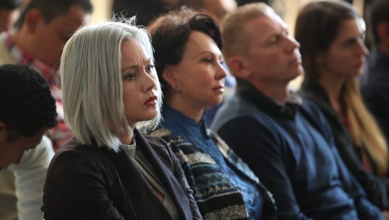 Los rusos Anastasia e Irina Bitkova e Igor Bitkov durante una audiencia del debate por el caso Migración. (Foto: Hemeroteca PL)