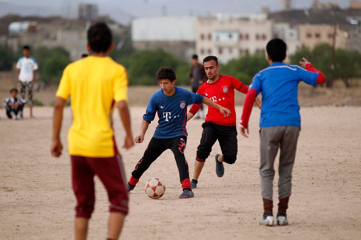 El futbol llena de ilusión a un Yemen devastado por la guerra
