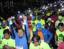 La marea de corredores llenó de alegría las calles de Quetzaltenango. (Foto Prensa Libre: Raúl Juárez)